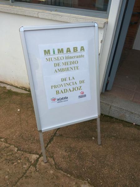 Ayer, día 13 de Marzo, recibimos la visita por parte de la Diputación de Badajoz del MIMABA (museo itinerante de Medioambiente de la Provincia de Badajoz)