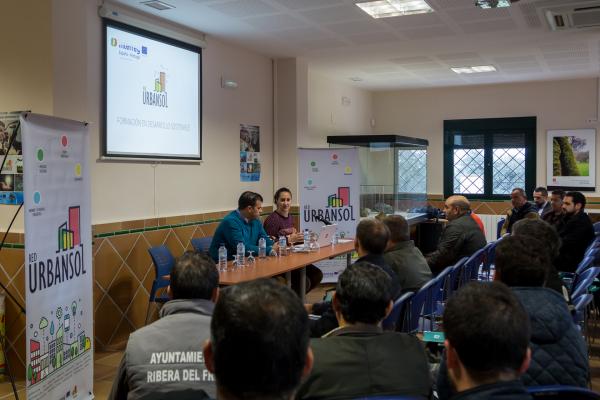 """El CSEA La Cocosa acoge el seminario """"Introducción a la recarga de vehículos eléctricos"""""""