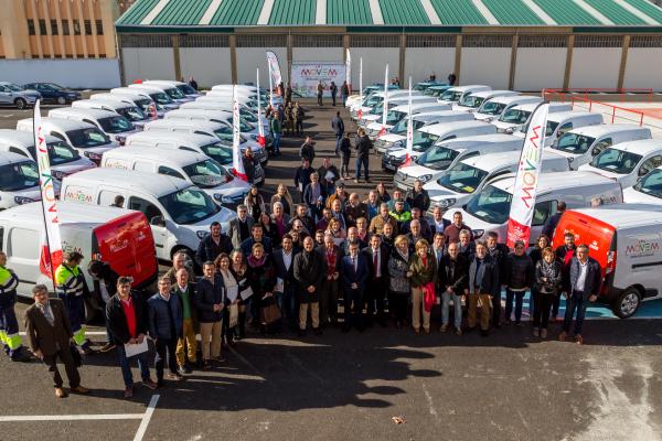La entrega de vehículos eléctricos a municipios del Plan MOVEM encara su recta final