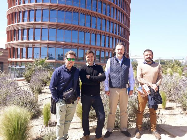 La Diputación de Badajoz visita el Centro Comercial TORRE SEVILLA como referencia de construcción sostenible