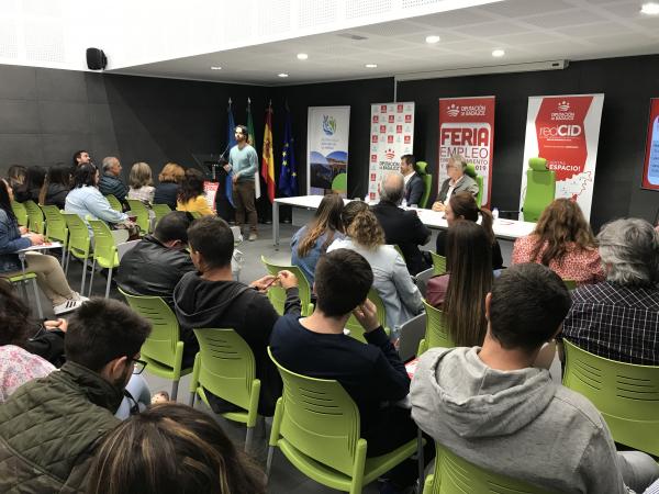 Herrera del Duque acoge una nueva edición de las Ferias de Empleo, Emprendimiento y Empresa con la integración con el medio natural y rural como tema principal
