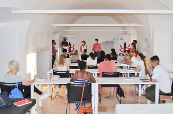 Inicia en Olivenza un curso de 'Atención sociosanitaria a personas dependientes en instituciones sociales'