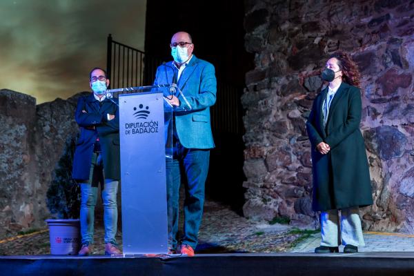 El castillo de Segura de León estrena iluminación ornamental gracias al Plan Smartenergía de la Diputación de Badajoz