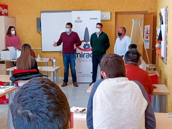Inaugurado un curso de Instalaciones solares fotovoltaicas en Hornachos, impulsado por la Diputación de Badajoz