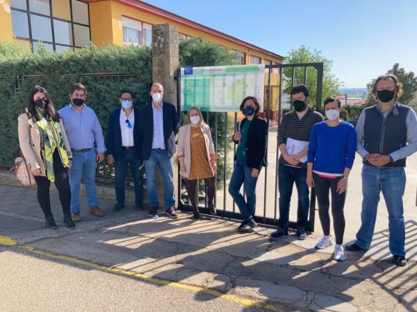 Comienzan las obras de implantación de soluciones basadas en la naturaleza en el CEIP Gabriela Mistral de Solana de los Barros