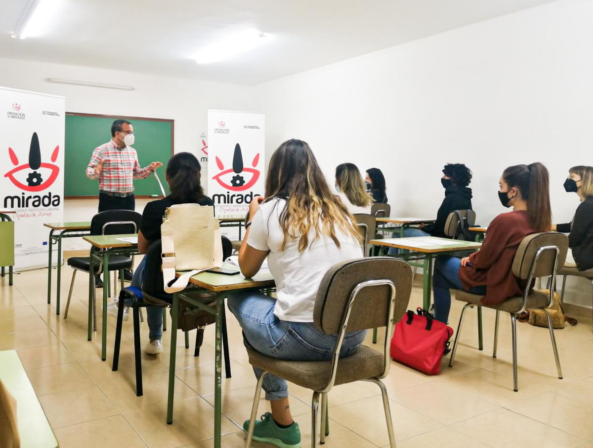 """Inaugurado en Alange un curso de """"Balneoterapia y Técnicas Hidrotermales"""" impulsado por la Diputación de Badajoz"""